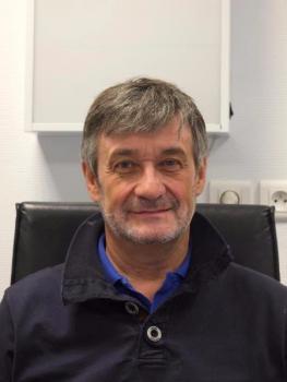 Docteur Matheï pratique la chirurgie orthopédique